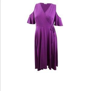 Beautiful purple  3/4 sleeve dress